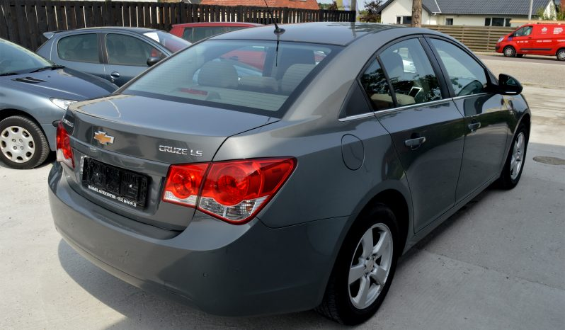 Chevrolet Cruze 1,6 LS 4d full