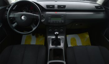 VW Passat 2,0 FSi Comfortline 4d full