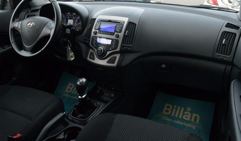 Hyundai i30 1,6 CRDi 90 Comfort Eco 5d full