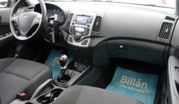 Hyundai i30 1,6 CRDi 90 Classic Eco 5d full