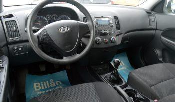 Hyundai i30 1,6 CRDi 90 Classic 5d full