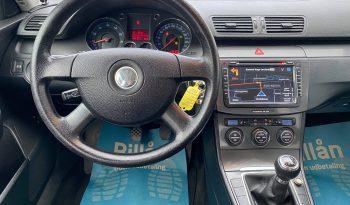 VW Passat 2,0 FSi Highline 4d full