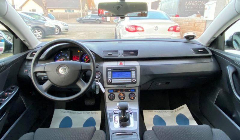 VW Passat 2,0 FSi Comfortline DSG 4d full